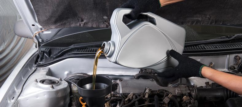 cambiare olio motore
